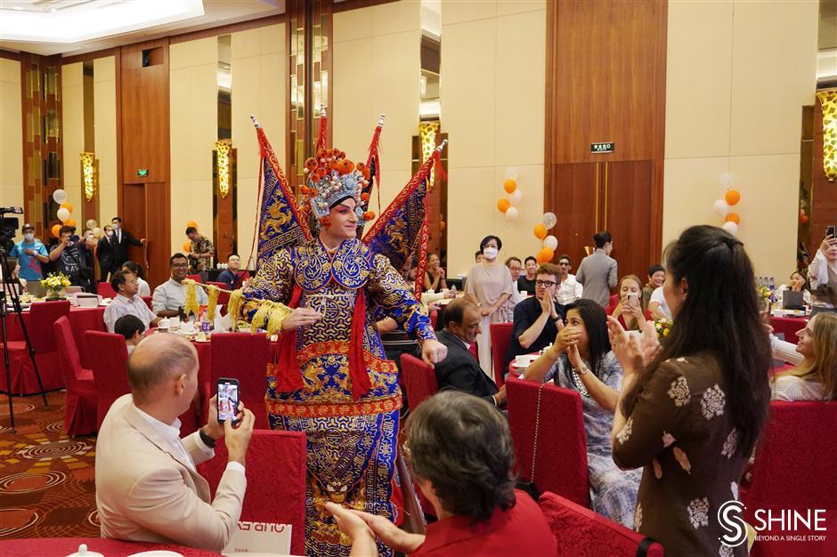 Expats celebrate Mid-Autumn Festival in Shanghai