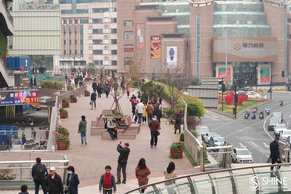 Xujiahui Skywalk extended to link up more shopping malls