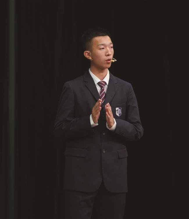 Students share their thoughts on China to the world
